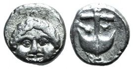 Thrace, Apollonia Pontika, late 5th-4th centuries BC. AR Drachm (12mm, 2.86g, 1h). Facing gorgoneion. R/ Anchor; A to l., crayfish to r. SNG BM Black ...