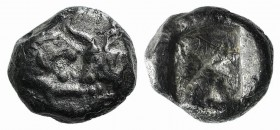 Kings of Lydia, time of Cyrus – Darios I, c. 545-520 BC. AR Twelfth Stater (7mm, 0.76g). Sardes. Confronted foreparts of lion and bull. R/ Incuse squa...