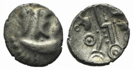 Celtic, Durotriges. Uninscribed, c. 45-40 BC. AR Quarter Stater (12mm, 0.77g, 12h). Three appendages hang from crescent. R/ Zigzag decorated with line...