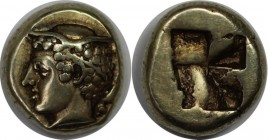 Griechische Münzen, IONIA, Phokaia EL Hekte Circa 450-400 BC. Head of Hermes left, wearing winged petasos, behind neck seal swimming downward / Irregu...