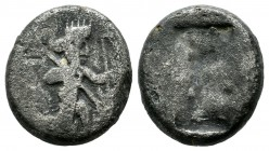 Achaemenid Empire. Time of Darios I to Xerxes II 485-420 BC. AR Siglos (15mm, 3.79g). Persian king or hero in kneeling-running stance right, holding s...