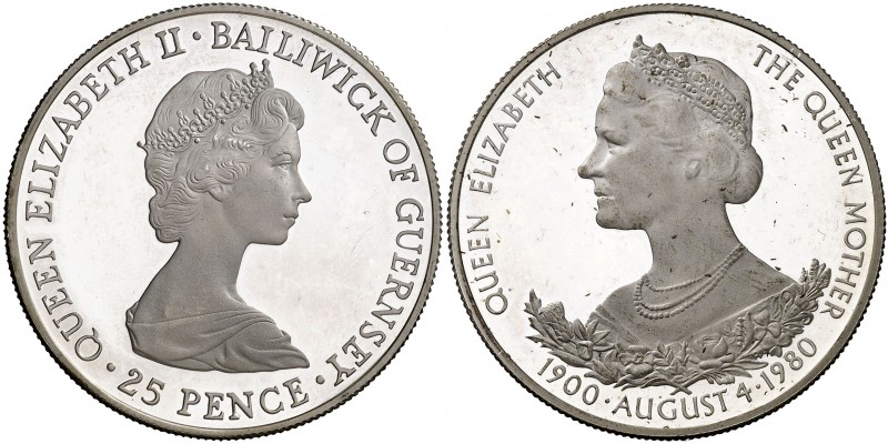 s/d (1980). Guernsey. Isabel II. 25 peniques. (Kr. 35a). 28,13 g. AG. 80º Aniver...