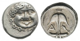 Thrace, Apollonia Pontika, late 5th-4th centuries BC. AR Drachm (13mm, 2.86g, 9h). Facing gorgoneion. R/ Anchor; A to l., crayfish to r. SNG BM Black ...