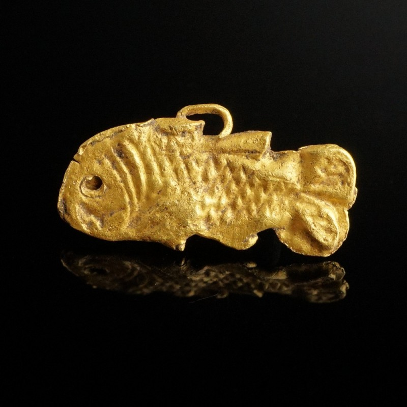 Roman Gold Fish Pendant