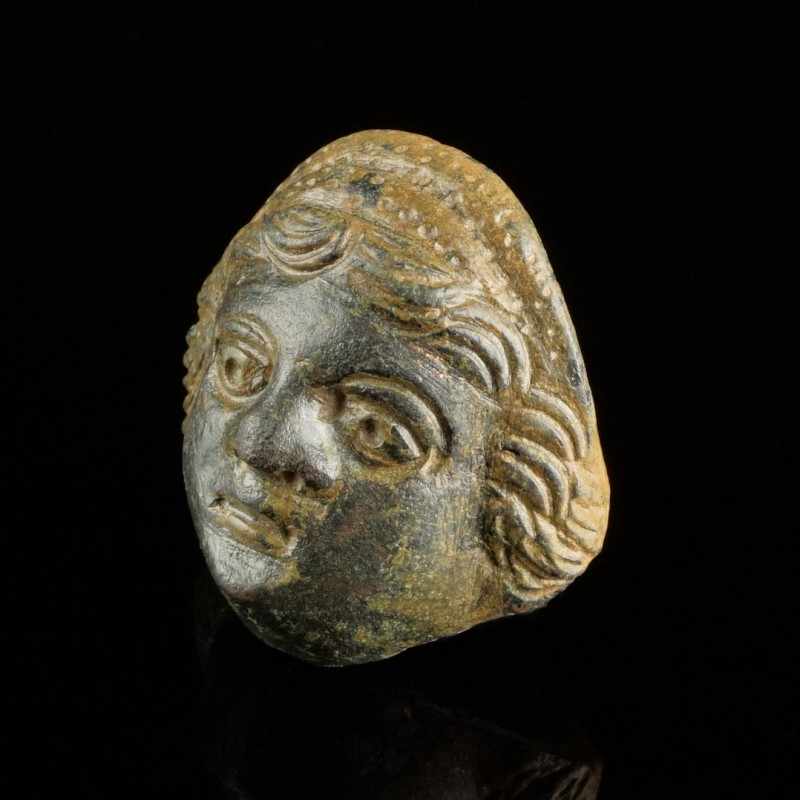 Roman Face Mount