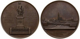 FRANCE: AE medal (88.90g), 1840, 59mm; J.B. KLEBER / GÉNÉRAL EN CHEF EN EGYPTE (1753-1800), statue of Kleber on pedestal, completed in 1840, signed by...