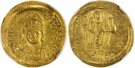 BYZANTINE EMPIRE: Justinian I, 527-565, AV solidus, S-139, D N IVSTINI - ANVS PP AVG, helmeted and cuirassed bust facing, holding globus cruciger and ...