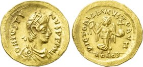 JUSTIN I (518-527). GOLD Tremissis. Constantinople.