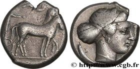 SICILY - SYRACUSE Type : Tétradrachme  Date : c. 425-420 AC.  Mint name / Town : Syracuse  Metal : silver  Diameter : 23  mm Orientation dies : 11  h....