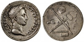 PADUAN & LATER IMITATIONS: ROMAN IMPERATORIAL: Julius Caesar, cast medal (15.02g), cf. Lawrence-2, unpublished imitation of brass Paduan medal (Lawren...