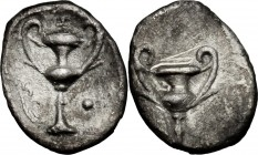 Greek Italy. AR Obol, 280-228 BC. D/ Kantharos; above, I; to left, aplustre; to right, pellet. R/ Kantharos. cf. HN Italy 1076 (only pellets). AR. g. ...